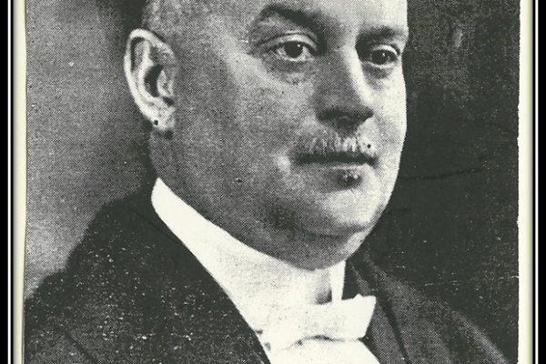 L'homme d'affaires Maurice Rousseau est élu comme maire à deux reprises, soit de 1902 à 1904.
